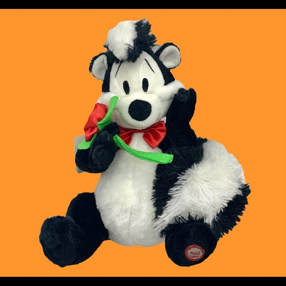 Pepe Le Pew Talking Skunk Plush w/ Tags Retired